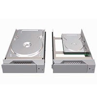 3.5/2.5インチHDD/SSD対応リムーバルトレー搭載